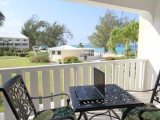 #27 Harbour Heights: Beachfront Beauty, Sleeps 6