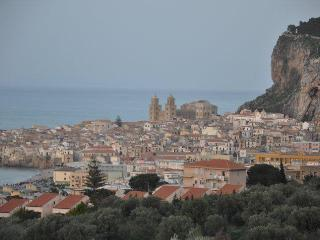 B&B 15 m from sea + view, in Sicily, Italy, Cefalù