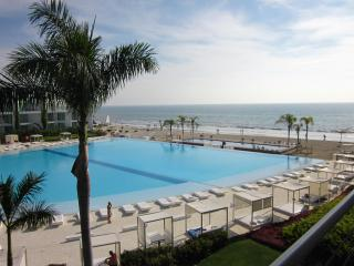 2 Bedroom Beachfront Condo, Beautiful Ocean View