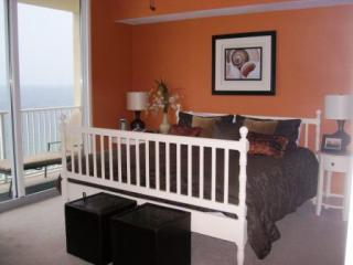 Master Suite Oceanside-Free Beach Chair Service!