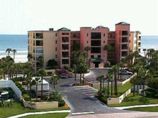 3BR Oceanfront Ground Floor w/2 Oceanfront MBRs