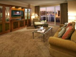 Signature at MGM Grand - 2BR Penthouse Suite!