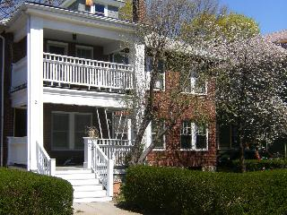 Charming 3bd/1ba sleeps 6, close to Pub. Transport