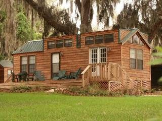 Lakefront Furnished Cabin Central Florida Nature