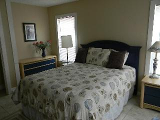 BUDGET RENTAL 1 BLK TO GREAT BEACH!- PLEASURE PIER