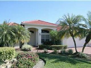 PARDISE.. Single Family Home w/Pool & Golf