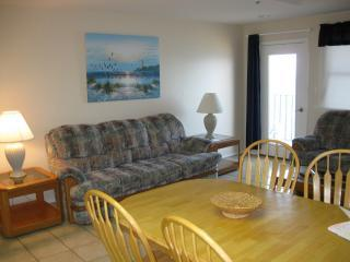 1103 Inverness - Large 3 Bedroom Beachfront Condo