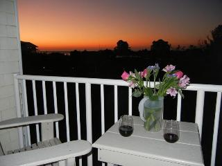 Upscale Condo in the Heart of Hatteras Village, Great Sunsets!