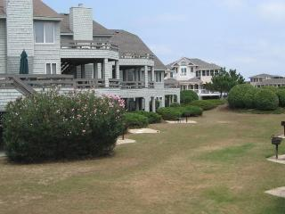 Pretty Villa Resort Community, Private Hot Tub, Short Walk to Beach