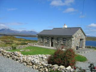 Connemara Cottages Close to  Roundstone Village