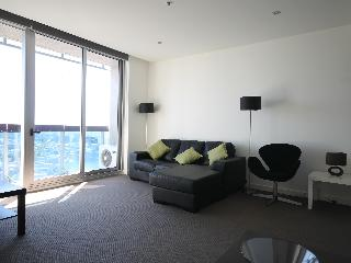 2 bedroom newly decorated stylish apartment in CBD