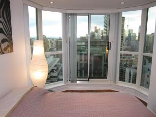Toronto Prestigous Yorkville 2 Bedroom 2 Bathroom!