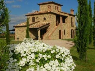 Luxury Villa,Cortona Area,view of Lake Trasimeno