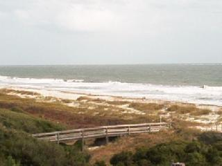 Hilton Head 2BR/2BA Angled Oceanfront Condo-Ocean1