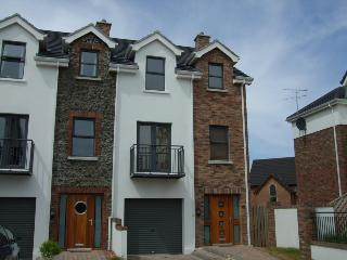 Fab modern 4 bd hse in Portstewart great for kids