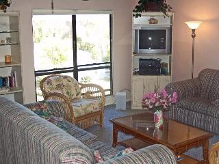 Secluded Sanibel condo with beach, pool