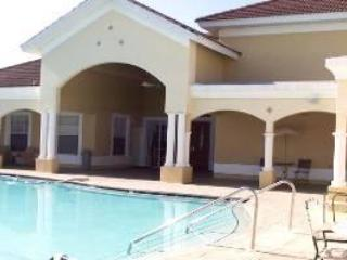 Beautiful 1st Floor 2BR Condo Fort Myers Florida!