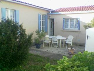 House in La Rochelle for 3 to 4 people