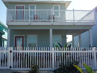 Latitude Adjustment, Sleeps 8, Pool,Close to Beach