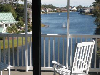 Lakefront Views in Penthouse Beach Get-Away #3944!