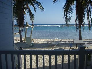 2 bedroom condo on the quiet island of Cayman Brac