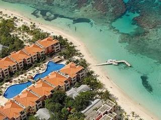 1 BR/1 BA Infinity Bay, Luxurious Resort  Roatan