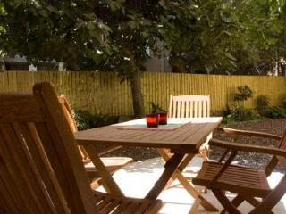 Newly renovated & fully equipped garden apartments