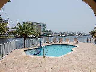 Waterfront 5 Bedroom 5 Bath Beauty@ Harbor Point