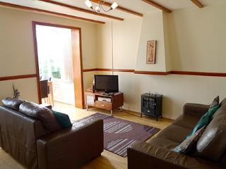 Pet Friendly Holiday Cottage - Dairy Cottage, Ivy Tower Village, St Florence
