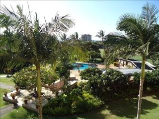 Ocean and Fairway View, Walk to Beach, Immaculate