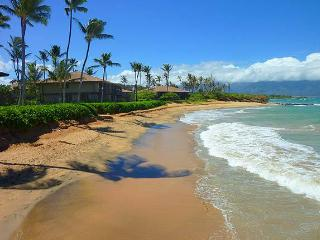 Sugar Cove, beachfront Spreckelsville, Paia