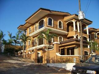 Penthouse, Private in the town of Tamarindo