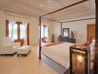 Nonsuch Bay Resort - Luxury Villa with Plunge Pool