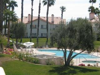 Beautiful 3 BR/2.5 BA Desert Falls Country Club