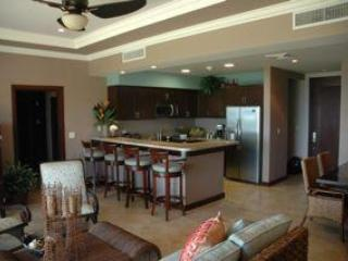 Gorgeous Coco Bay Condo