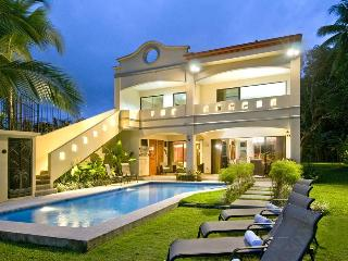 Jaco Beach Luxury Oceanfront House - Casa Rio Mar