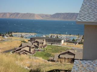 2 bedroom Condo Overlooking Bear Lake,Utah