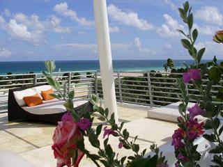 Ocean Front Penthouse 09 Private Roof Jacuzzi