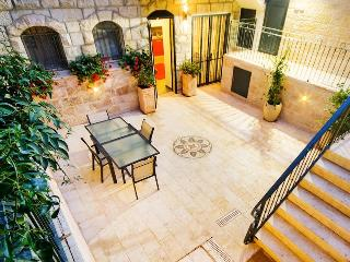 Boutique Jerusalem Vacation Rental - German Colony