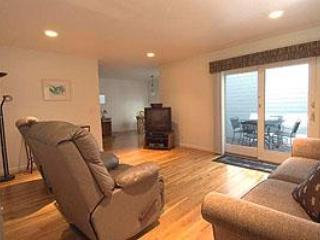 Capitola Village Townhouse -- close to the beach!