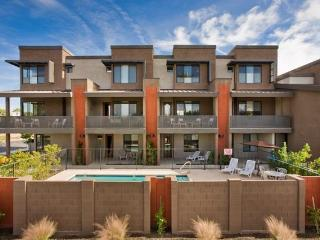 Gorgeous Condo * 3 Master Suites and Heated Pool*1