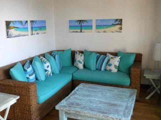 Cute West Bay oceanview home,Sleeps 4,from $350/wk
