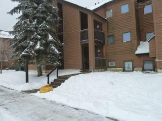 Pico Resort Slopeside Condo G202 - Two bedroom Two bathroom Walk to Lift & Ski Home To Your Back Door! Sports Center on Premises