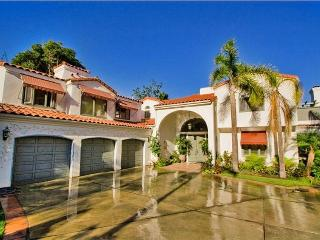 Beautiful La Jolla Mansion - Right Near Beach!