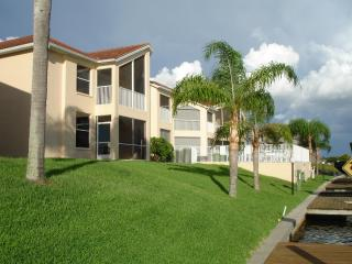 BEST DEAL IN CAPE CORAL! 200FT WIDE CANAL!!