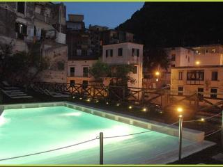 Apartment Cartiera with Pool. SPECIAL RATES
