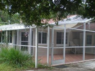 Private Guest House Near Downtown and Beaches