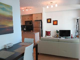 Stylish 1 Bed + Den Furnished Downtown Apartment