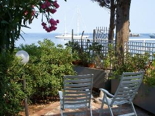 SEAFRONT bungalow with garden at Taormina, Sicily