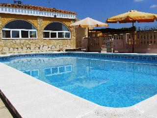 Tranquil Holiday Villa in Montroy, Valencia.